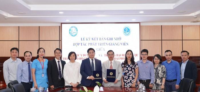 Lễ ký kết hợp tác Phát triển Giảng viên ĐHYD TPHCM và Trường ĐHYD Hải Phòng